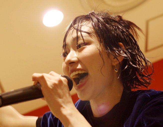 アヤ・エイトプリンスのぬっちょり舌 (20)