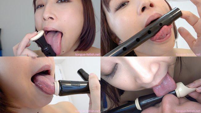 7.きみと歩実のエロ長い舌でベチョベチョリコーダー舐め&臭いかがせ