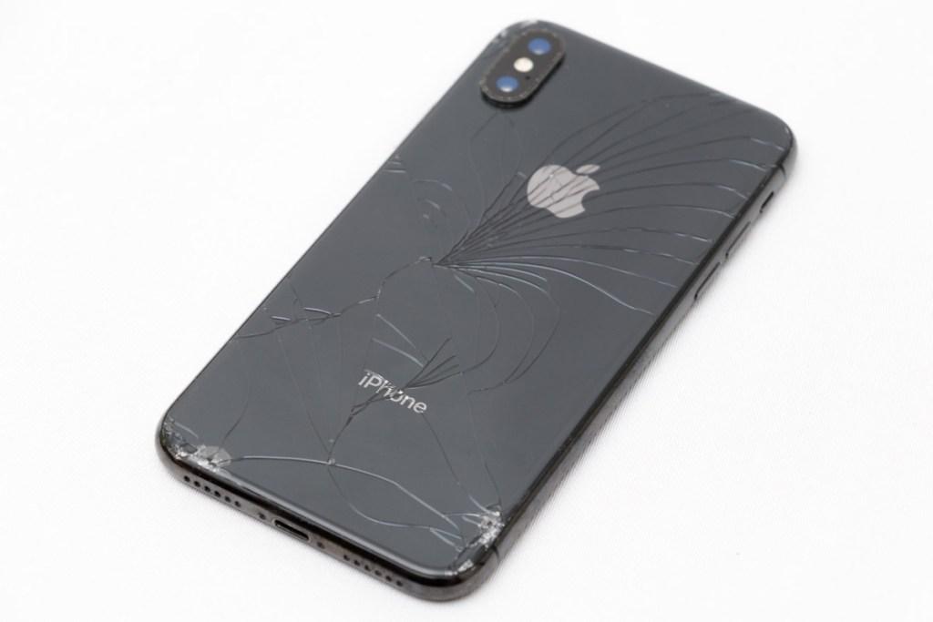 割れてしまったiPhone X