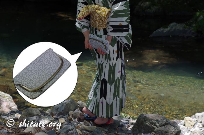 古典柄の浴衣とバッグと唐草の帯・バッグ拡大