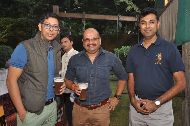 Rahul Singh- CEO and Tarun Jain- COO, The Beer Cafe with a friend copy