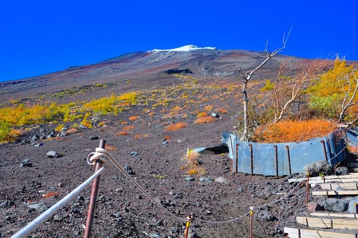 富士山の初冠雪の平均日は9月30日。9月も下旬になれば登山道に人影はありません