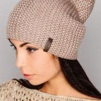 Модная шапка бини