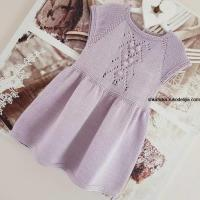Нежное платье для девочки спицами