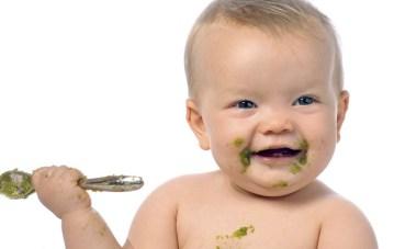 Как понять, что ребенок уже готов к введению прикорма?