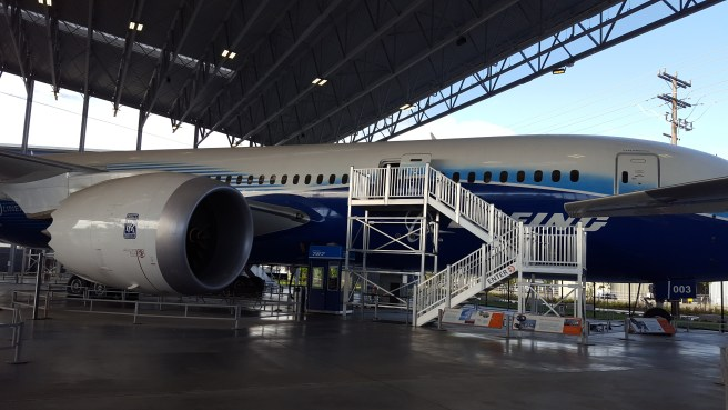 Side view of the Dreamliner