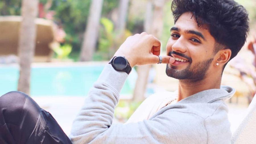 Zeeshan Khan Bigg Boss OTT: Full List of Contestants with Photos