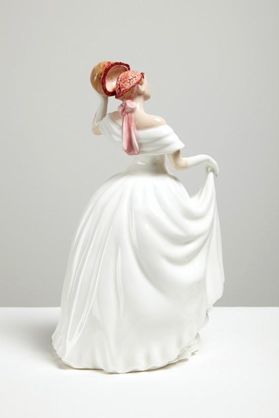 jessica-harrison-porcelaine-gore-1