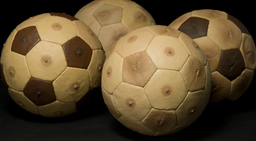 Mondial 2018 : ballon tétons ou ballon anus ?