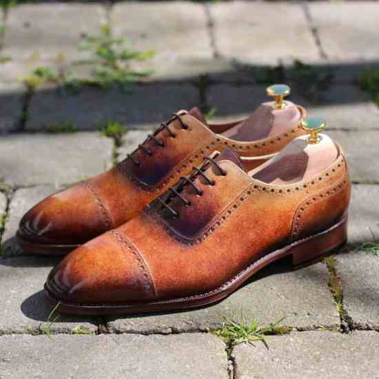 Shoe painted by Michael Håkansson, who will do patina painting live during the event.