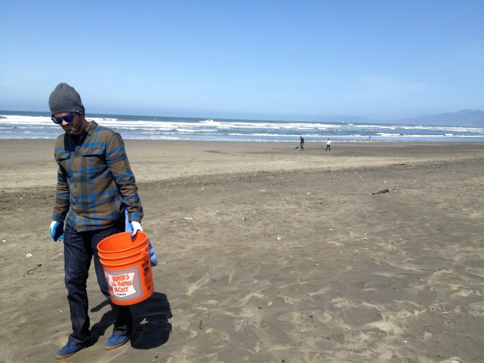 Surfrider Foundation Volunteer Beach Clean-Up