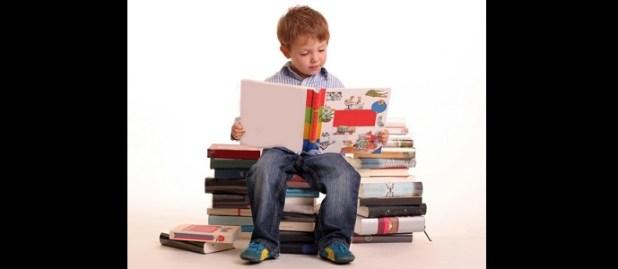 8 وسائل ذكية وفعالة ليحب طفلكِ القراءة