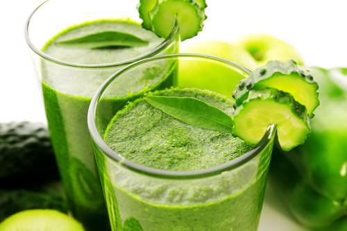 مشروب التفاح الأخضر بالخيار والزنجبيل لإنقاص الوزن