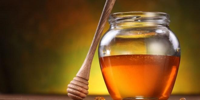 طريقة استخدام العسل للشعر لزيادة لمعانه و بريقه