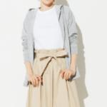 【ユニクロのスーピマコットンTシャツで、50代おしゃれミニマリストの着まわし術】