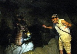 江の島岩屋:洞窟探検で歴史や龍神伝説を知るパワースポット