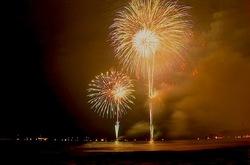 鎌倉花火大会2013:材木座海岸から水中花火やスターマインを堪能