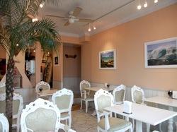 江ノ島Aloha Beach Cafe(アロハビーチカフェ)の店内
