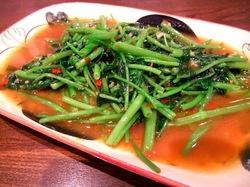 藤沢タイ料理ゲンキョウワンのパックブン・ハイデーン(空心菜のソイビーンズペースト炒め)