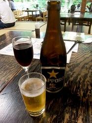 ビーフシチューで有名な北鎌倉去来庵のビールとグラスワイン