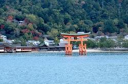 湘南から宮島厳島神社・出雲大社・鳥取砂丘ドライブ宮島フェリーからの眺め