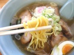 藤沢市善行の札幌ラーメンベアの太麺