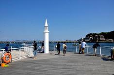湘南江ノ島の初日の出オススメスポット片瀬海岸西浜片瀬漁港の堤防