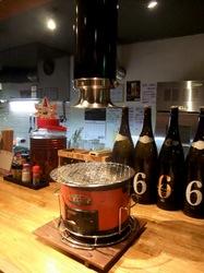 藤沢善行のホルモン焼き元気屋の七輪と吸煙機