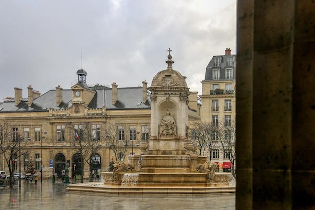 Église Saint-Sulpice Fountain