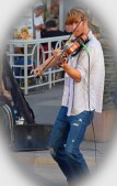 """Great violinist. A little pose for """"moi"""" please?"""