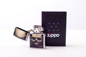 Zippo Tattoo-Skull silber by Andy Engel