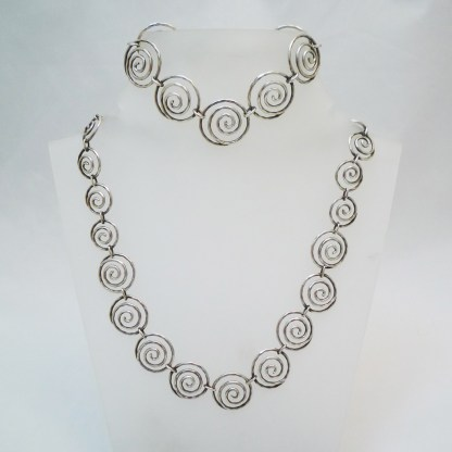Designkette und Armband Silber Skandinavien
