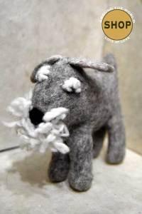 Handgemaakt vilt hond Schnauzer Speelgoed, dieren.