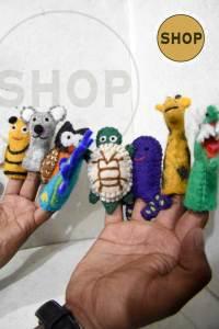 Handgemaakt vilt vingerpoppetjes . Speelgoed - Dieren. Shop Around the World