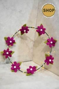 Handgemaakt vilt Bloemenkrans 5356. Speelgoed, bloemen.