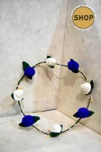 Handgemaakt vilt Bloemenkrans 5361. Speelgoed, bloemen.