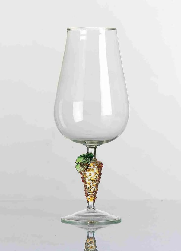 Murano glass glass handmade by our glass masters according to the ancient Muranese art. Wine glass. Table service.