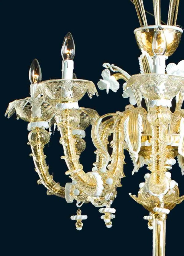 Rezzonico floor lamp height 195cm in 24K gold murano glass details in white paste. 6 lights with leaves, flowers and pendants.