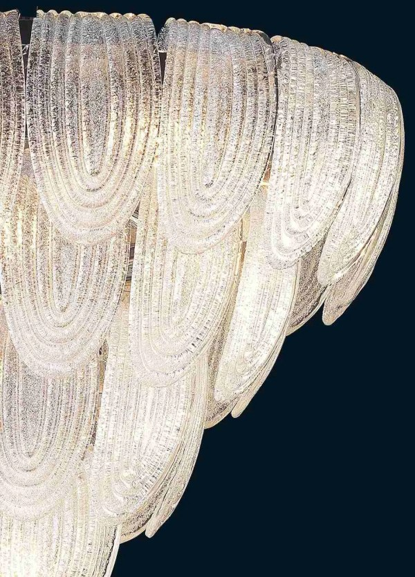Handmade ceiling lamp, with Murano glass leaves, the color is in crystal with grit to give elegance to the ceiling lamp.