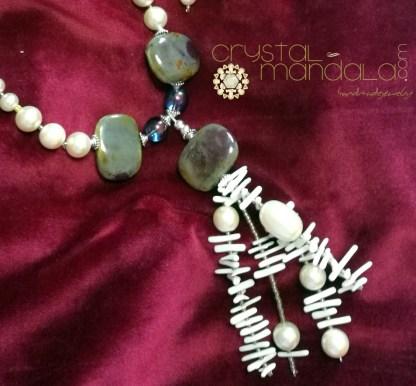 fine handmade jewelry, beaded necklace, Ciondolo cristalli, Beading Pendant, bead embroidery - by #machegioia® - #crystal-mandala.com gioielli fatti a mano, gioielli con cristalli, Enchanted collection, gioielli in tessitura, gioielli su commissione