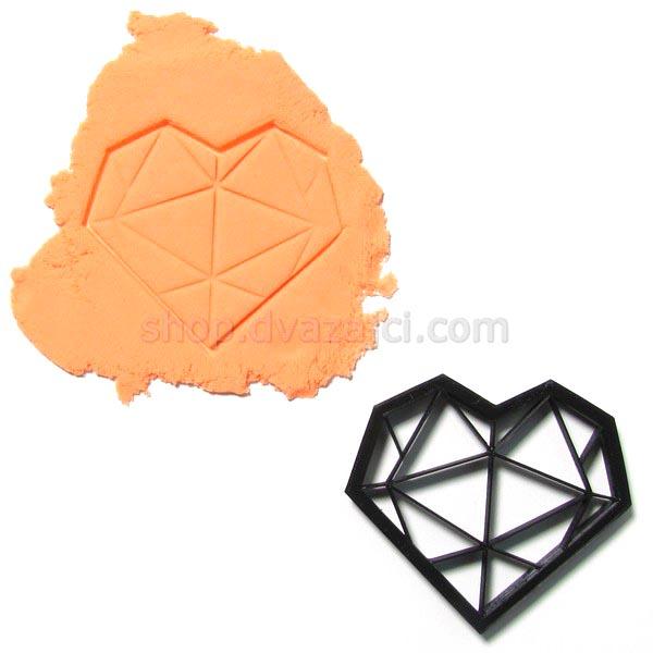 Форма для печенья Сердце геометрия с гранями 8см