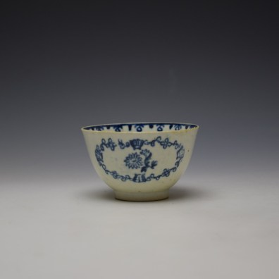 Liverpool John Pennington Scallop Shell and Flower Pattern Teabowl and Saucer c1780-85 (2)