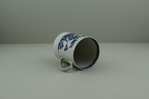 Liverpool Porcelain Pennington's Cannonball Pattern Coffee Can. 8