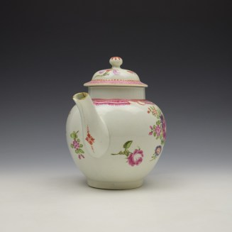 Lowestoft Floral Pattern Teapot and Matched Cover c1780 (2)
