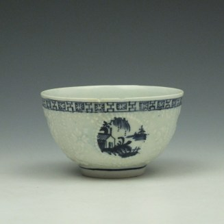 Lowestoft Hughes Moulded Teabowl and Saucer c1764-66 (4)