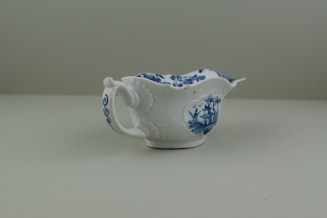 Worcester Porcelain Dr Wall Period The Boatman Pattern Low footed Sauceboat, C1755. 6