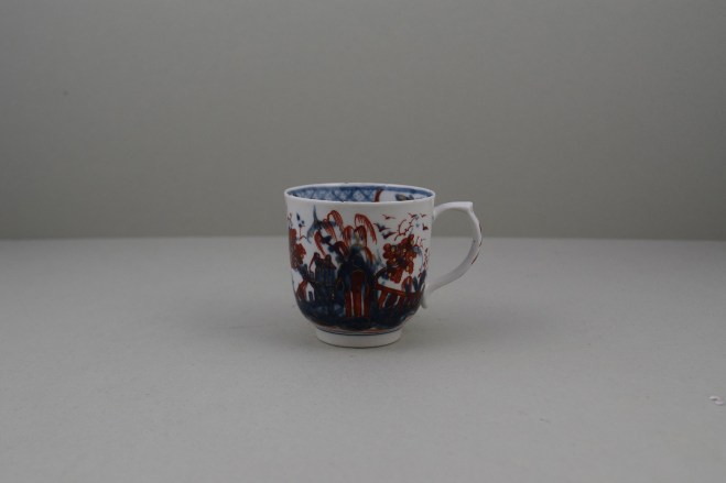 Lowestoft Porcelain Clobbered House and Landscape Pattern Coffee Cup, C1765-68 (1)