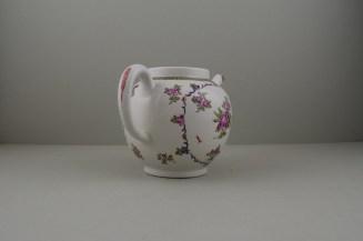 Lowestoft Porcelain Curtis Flowers Within a Border Pattern Teapot, C1775-95 (6)