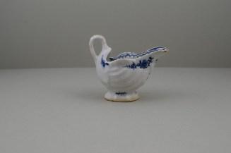 Lowestoft Porcelain Daisy Pattern Shell Moulded Dolphin Ewer, C1770-75 (5)