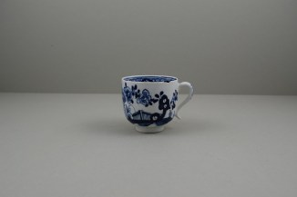 Lowestoft Porcelain Fence Hollow Rock and Peony Pattern Trio, C1785-1800. b
